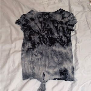 American Eagle tye dye tshirt with a front knot